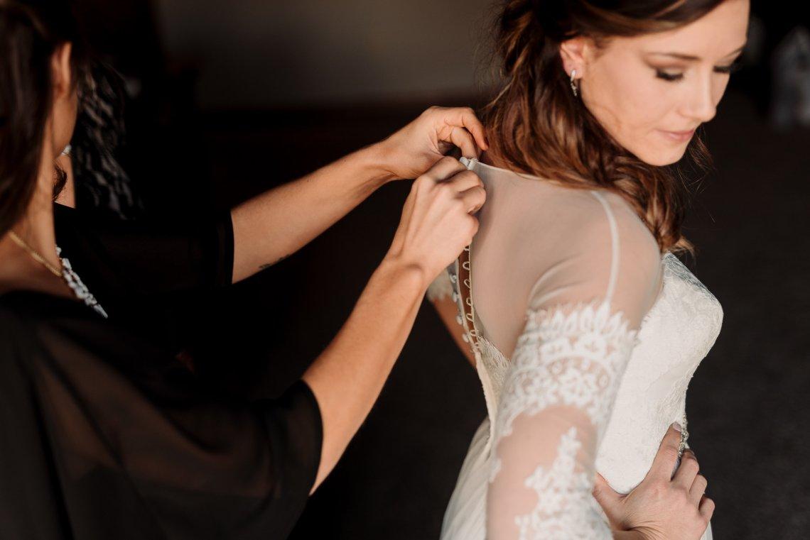 Roberts Wedding-Getting Ready-0133.jpg