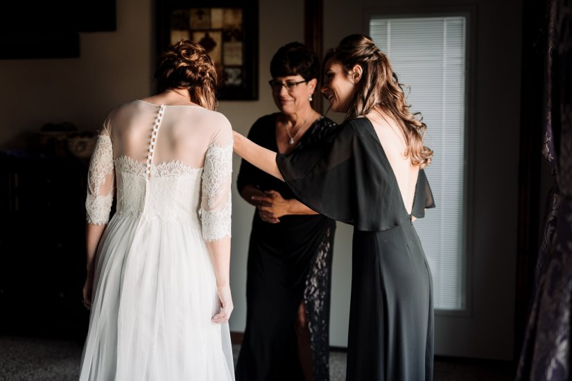 Roberts Wedding-Getting Ready-0148.jpg