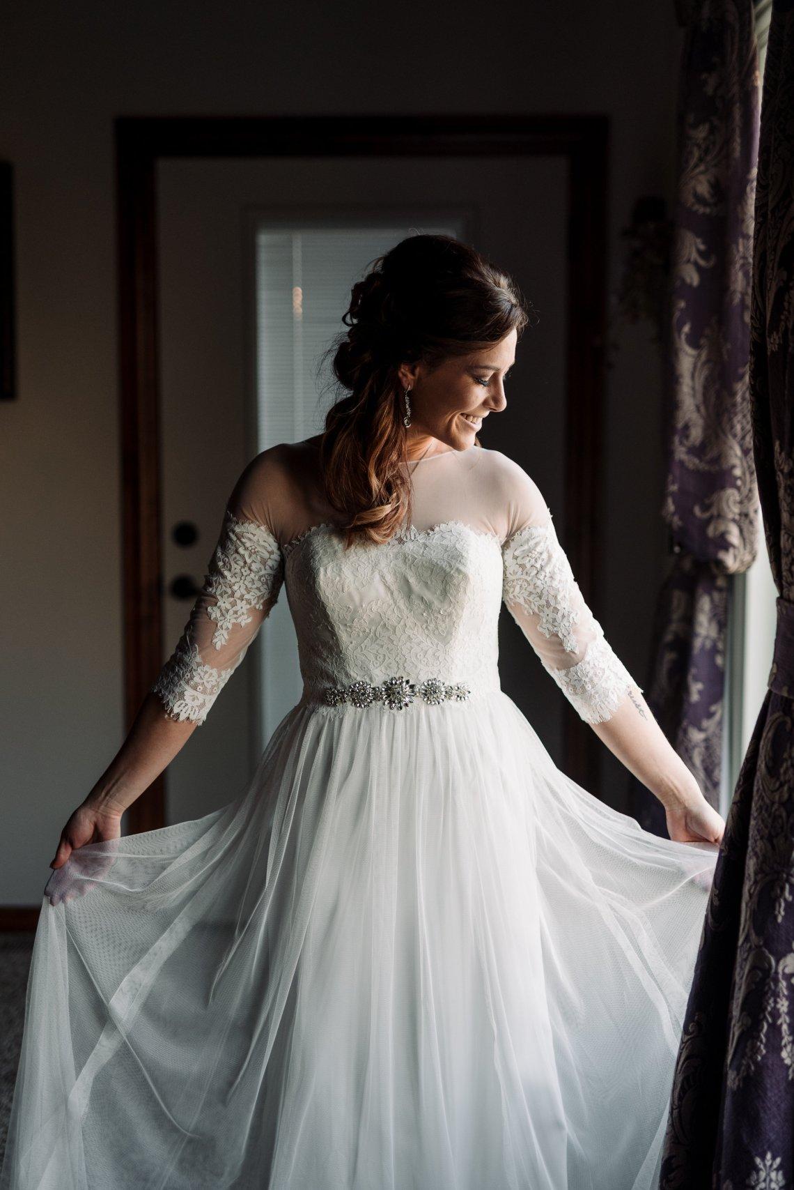 Roberts Wedding-Getting Ready-0159.jpg
